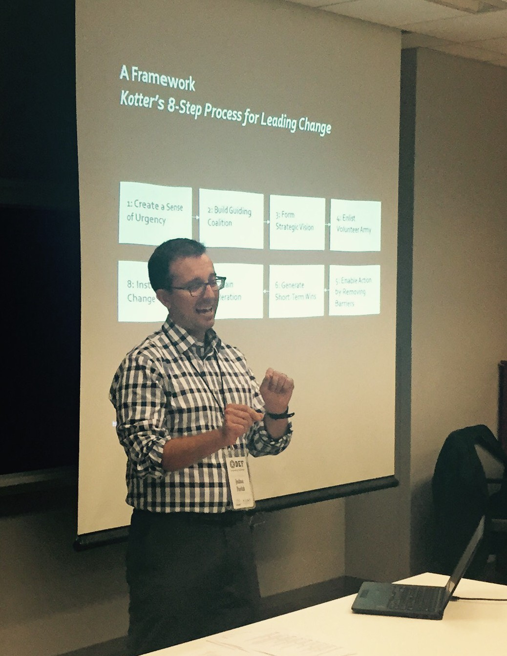 Picture of Josh Pavluk of Avascent presenting at Defense Entrepeneurs Forum